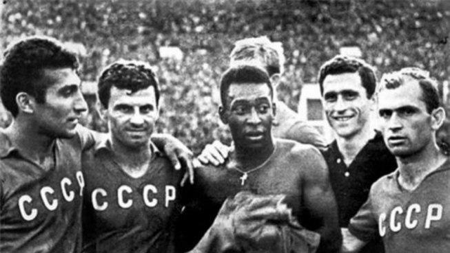Pelé URSS anos 60 Brasil Soviéticos futebol