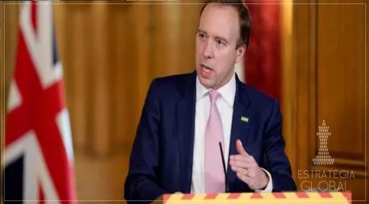 """Reino Unido afirma que mutação do coronavírus está """"fora de controle"""" e decreta restrições Nível 4"""